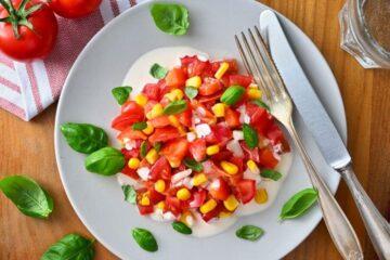 Tomaten Paprikasalat