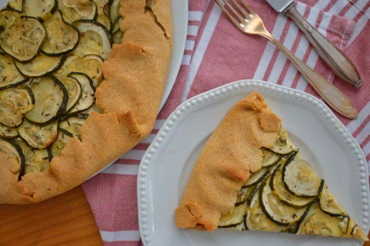 Zucchini Galette mit Frischkäse